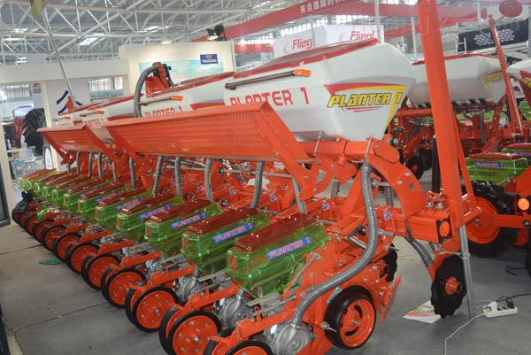 2BJM-12高速精密免耕播种机