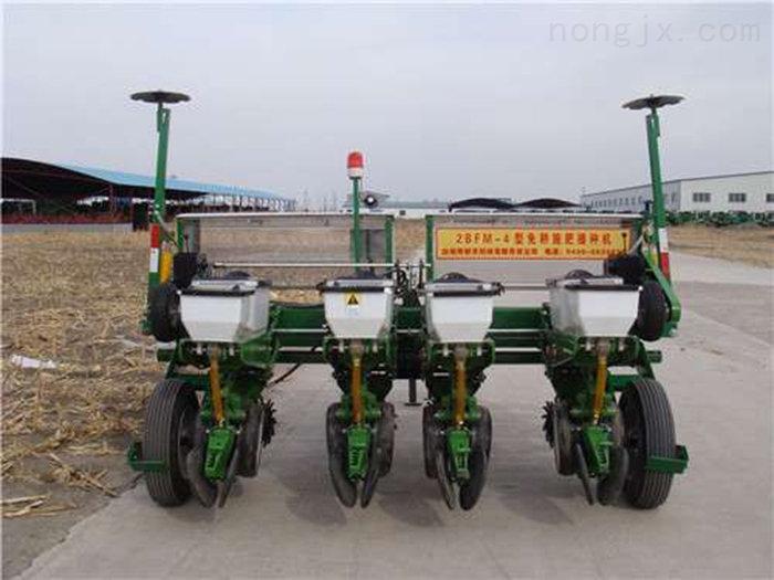 免耕施肥播种机