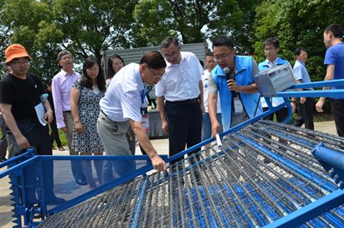 全国河蟹生产机械化观摩交流会在江苏召开
